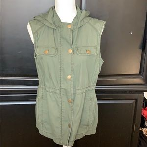 Gap hooded army vest